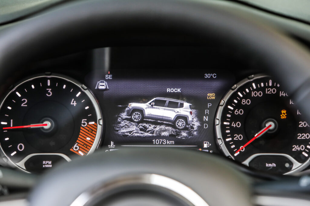 180620_Jeep_New-Renegade-MY19-Trailhawk_22